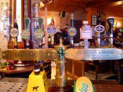 IRLANDA Pub conmemorativo del Titanic, Cobh by <b>Talavan</b> ( a Panoramio image )