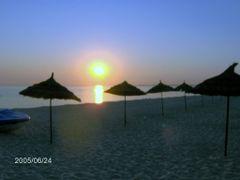 sunrise by <b>Mircea_RAICU</b> ( a Panoramio image )
