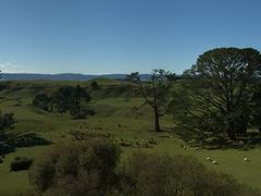 Hobbiton: Panorama - On the doorsteps of Bag End by <b>GandalfTheWhite</b> ( a Panoramio image )