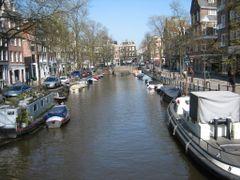 Spiegelgracht richting Prinsengracht by <b>Johan Zuidema</b> ( a Panoramio image )
