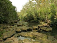 Bungaroo stepping stones by <b>Steve Bennett</b> ( a Panoramio image )