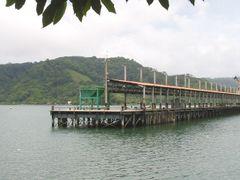 Embarcadero de Golfito by <b>glomarsol</b> ( a Panoramio image )