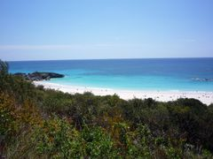 Horseshoe Bay, Bermuda by <b>yvr101</b> ( a Panoramio image )