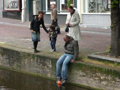 The Netherlands, Delft, how to take off the ball from a canal by <b>Olga Yakovenko</b> ( a Panoramio image )