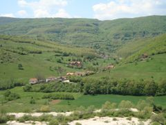 STREZOVC (mahmutovit) by <b>sami demolli</b> ( a Panoramio image )