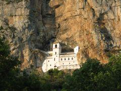 Manastir Sv. Vasilije Ostroski by <b>cvijetin</b> ( a Panoramio image )