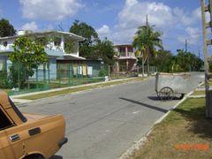 Reparto Chivas, Guanabacoa. by <b>Roberto Lam</b> ( a Panoramio image )