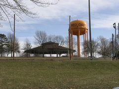 Red Oak Water Tank with UFO by <b>Andrew Schneider</b> ( a Panoramio image )