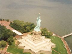Statue of Liberty from a Helicopter by <b>Christophe Van Hulle</b> ( a Panoramio image )