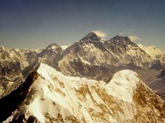 Numbur mit Mount Everest by <b>Burgener  Norbert</b> ( a Panoramio image )