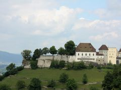 Lenzburg Castle by <b>Svjetlana Peric</b> ( a Panoramio image )