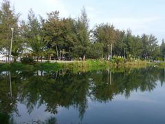 Dawn Reflection at Pond by <b>Soon-tin Lim</b> ( a Panoramio image )