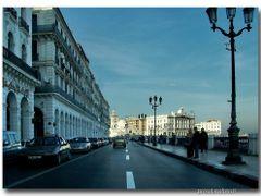 Algeri - Le vie sul lungomare  by <b>Oliviero Masseroli</b> ( a Panoramio image )