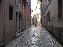 Rovinj - Old Street by <b>sonjabgd</b> ( a Panoramio image )