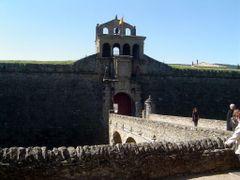 ESPA?A La Ciudadela, Jaca by <b>Talavan</b> ( a Panoramio image )