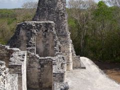 TORRE NORTE, ESTRUCTURA I, XPUHIL, CAMPECHE by <b>Ismael Rangel Gomez</b> ( a Panoramio image )