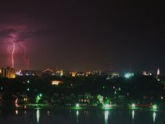 Lightning over Charleston by <b>livingworld</b> ( a Panoramio image )