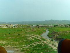 Route A 378 de Chakhbrisak a Samarcande, village au fond de la v by <b>JLMEVEL</b> ( a Panoramio image )