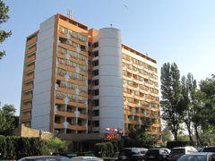 Mamaia - Hotel Majestic by <b>gabi@vram</b> ( a Panoramio image )