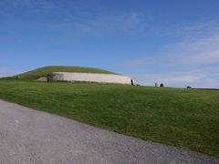 Pre-historic site of Newgrange  by <b>ThoiryK</b> ( a Panoramio image )