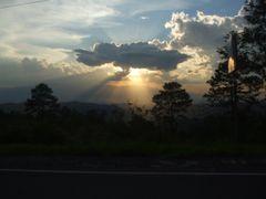 UN ATARDECER MARAVILLOSO  by <b>Catracha</b> ( a Panoramio image )