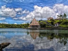 MAURITIUS HINDY TEMPLE by <b>AGELOS ZIAS</b> ( a Panoramio image )