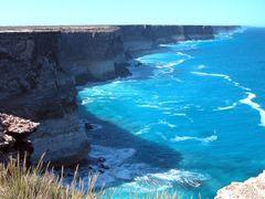 Bunda Cliffs Great Australian Bight by <b>Ian Berry</b> ( a Panoramio image )