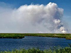 Fire in delta \ Пожар в дельте by <b>Andrey Voskressenskyi (aka Saracin)</b> ( a Panoramio image )