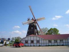 Danish windmill,Elk Horn, IA by <b>marnox1</b> ( a Panoramio image )