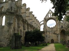 Abbaye de Longpont - Vaisseau central by <b>TelKines</b> ( a Panoramio image )