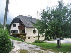 Rastovaca, House of the Krizmanic family by <b>vandemberg</b> ( a Panoramio image )