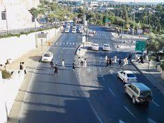 Haredi Run to keep Shabat by <b>DYKT</b> ( a Panoramio image )