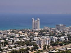 Haifa from Basilica of Our Lady, Star of the Sea, Stella Maris C by <b>Nicola e Pina Israele 2009</b> ( a Panoramio image )