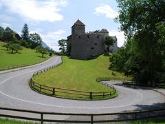 Liechtenstein - Vaduz by <b>George71</b> ( a Panoramio image )