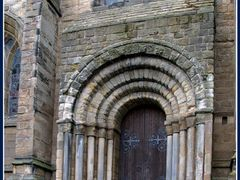 Wesr Doorway Dunfermline Abbey Church by <b>Peter Downes</b> ( a Panoramio image )