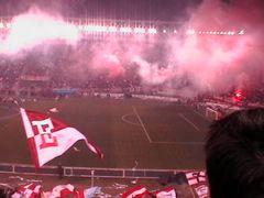 Rojo y blanco en el Unico de La Plata. by <b>©Chaydee</b> ( a Panoramio image )