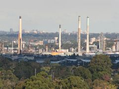 Shell Oil Refinery, Granville with Hurstville high rise on the h by <b>Ian Stehbens</b> ( a Panoramio image )