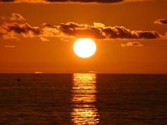Sunset Mahe by <b>Mark Martin 2</b> ( a Panoramio image )