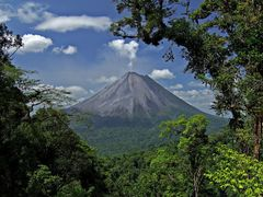 Arenal by <b>Roberto Garcia</b> ( a Panoramio image )