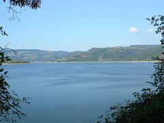 "Lago di Corbara: panoramica verso nord dall""estremita meridional by <b>Renato Pantini</b> ( a Panoramio image )"