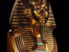 Totenmaske Tutenchamun, Death mask Tutankhamun by <b>picsonthemove</b> ( a Panoramio image )