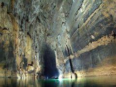Xe Bang Fai cave - Tham Khoun Xe by <b>Charles Ghommidh</b> ( a Panoramio image )