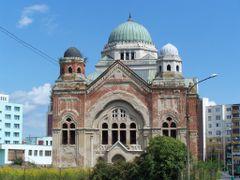 Lucenec - synagoga by <b>Bibiana Papp</b> ( a Panoramio image )