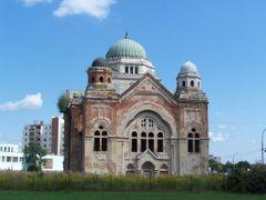 Lucenec - synagogue by <b>Bibiana Papp</b> ( a Panoramio image )