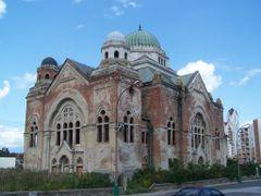 Losonc - zsinagoga by <b>Bibiana Papp</b> ( a Panoramio image )