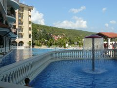 Elenite: One of the pools by <b>Maciejk</b> ( a Panoramio image )