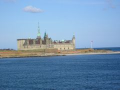 Kronborg Castle (Shakespeare Hamlet) by <b>Benny Alminde</b> ( a Panoramio image )
