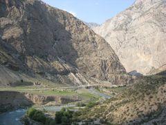 Isfayram ravine by <b>igor_alay_2</b> ( a Panoramio image )