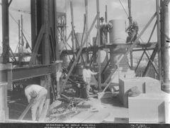 1928 Colocando las columnas de la cupula  by <b>edithesca</b> ( a Panoramio image )