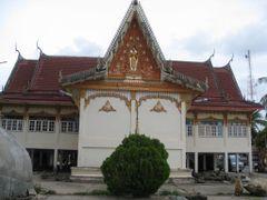 Tempel @ Mekhong Phon Phisai by <b>videomaster</b> ( a Panoramio image )